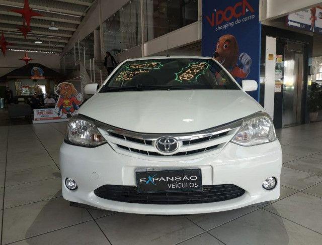 Toyota Etios Sedã XLS - 2013