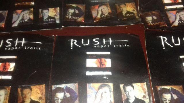 80 cartela  de botom cada com 3 peças  Rush