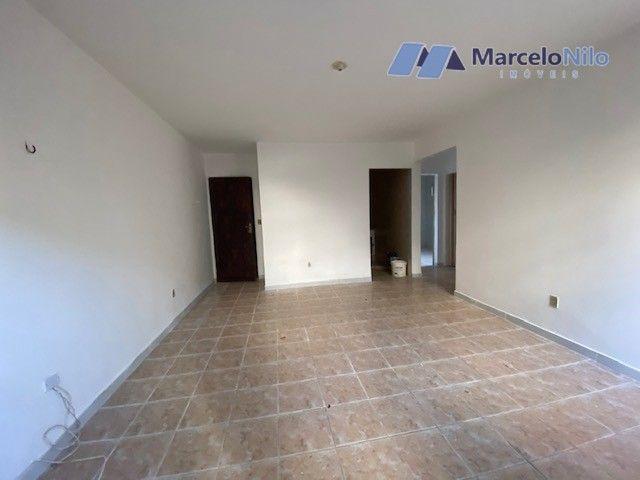 Apartamento térreo em Olinda, 65m2,  2 quartos sociais, varanda e garagem - Foto 9