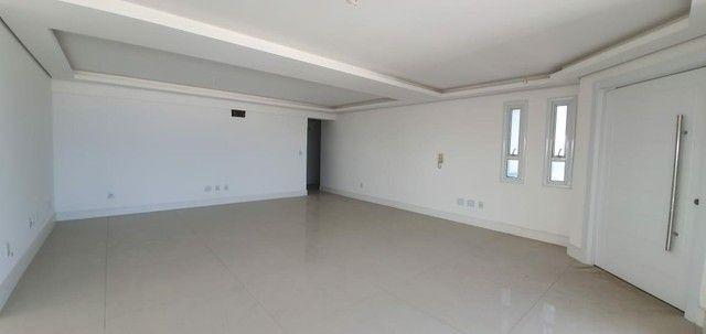 Apartamento 4 Dormitórios - Bairro Praia Grande - Foto 18