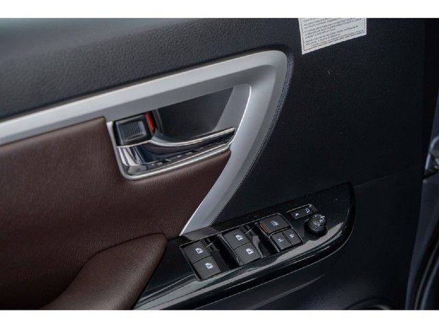 Toyota Hilux Sw4 2.8 SRX 4X4 7 LUGARES 16V TURBO INTERCOOLER DIESEL 4P AUTOMÁTICO - Foto 18