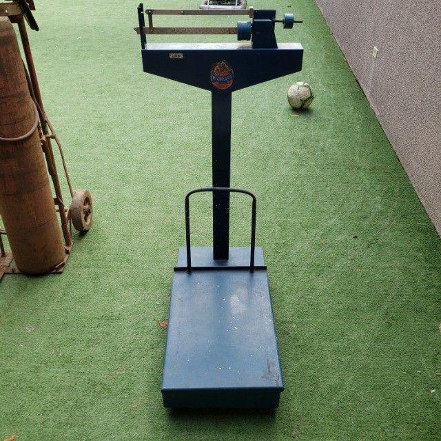 Balança Mecânica - 300kg (Pouco usada)