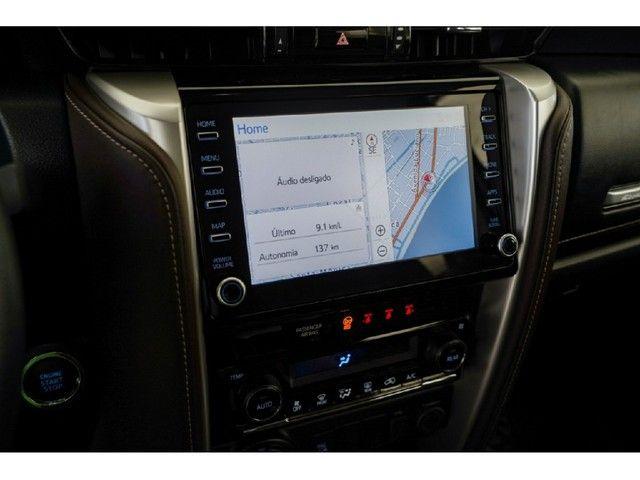 Toyota Hilux Sw4 2.8 SRX 4X4 7 LUGARES 16V TURBO INTERCOOLER DIESEL 4P AUTOMÁTICO - Foto 19