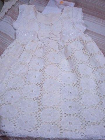 Vendo vestido e sapatilha novos  - Foto 3
