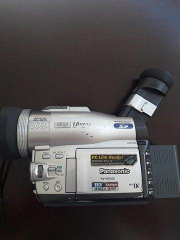 Filmadora Panasonic modelo NVMX300-EN Leica Dicomar 3CCD, 2 baterias, carregador, Mini DV