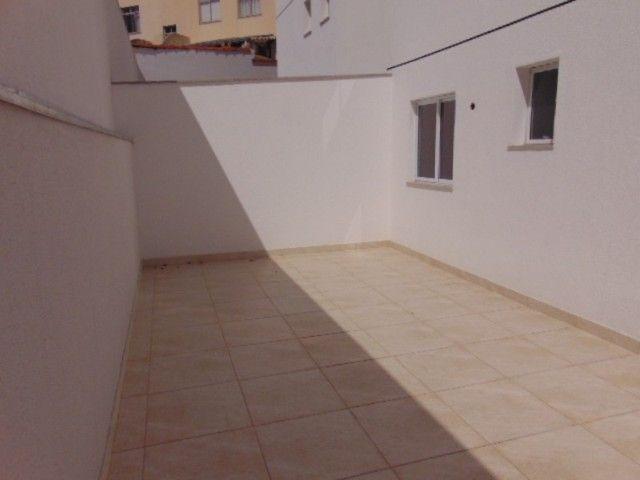 Lindo apto com excelente área privativa de 2 quartos em ótima localização no B. Sta Amélia - Foto 18