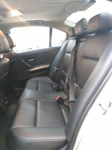 BMW 320 ia c/ teto - Foto 8