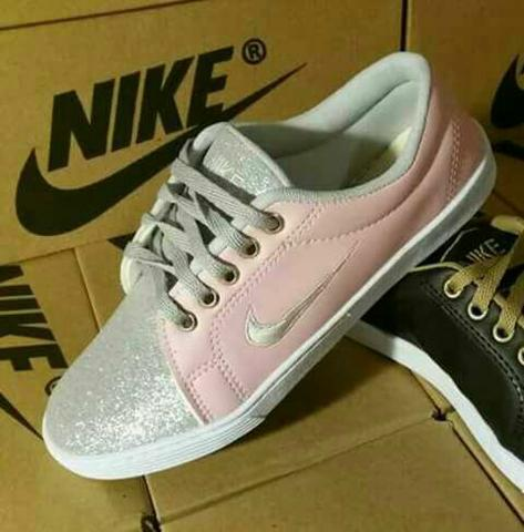 Tênis Nike - Rosa e Prata - Atacado e Varejo