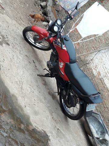 Vendo essa moto ybr bem conservada. mas informações chama no zap 99218-1862