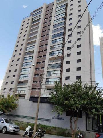 Apartamento andar alto , face sombra, no Edifício Metropolitan com 142 m² úteis, 3 suítes