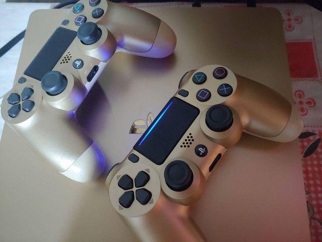 Ps4 Slim 1 TB  Gold com 2 controles + jogos top   - Foto 2