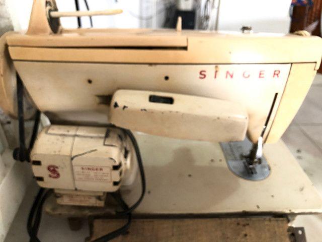 Antiga máquina de costura Singer Facilita - Foto 5