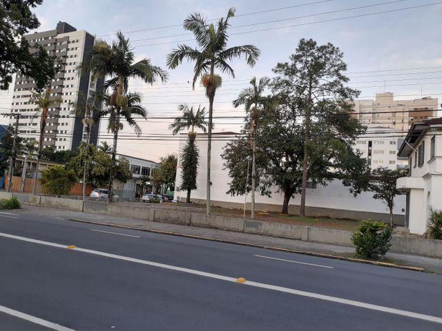 Área terreno comercial no centro,Não tombada,fazendo frente p/ 2ruas,Área total2.037,78m2 - Foto 5