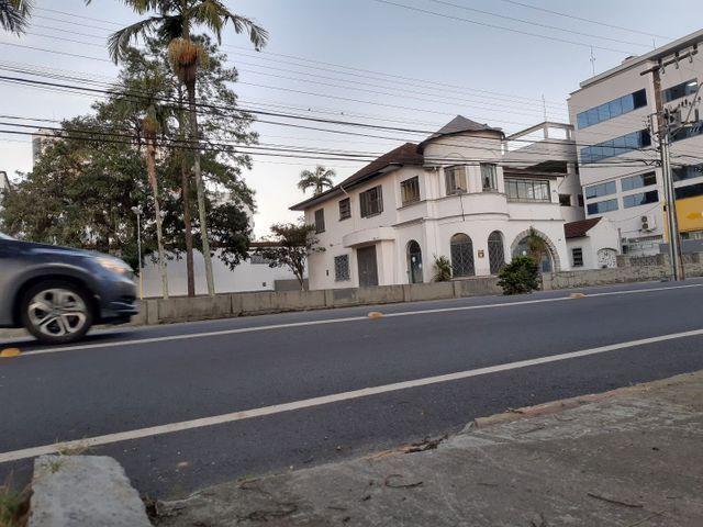 Área terreno comercial no centro,Não tombada,fazendo frente p/ 2ruas,Área total2.037,78m2 - Foto 4