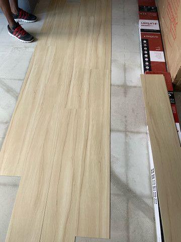 Pisos vinílico,laminado,karpet, rodapé e rodameio - Foto 5