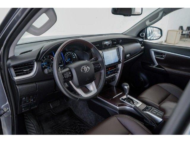 Toyota Hilux Sw4 2.8 SRX 4X4 7 LUGARES 16V TURBO INTERCOOLER DIESEL 4P AUTOMÁTICO - Foto 7