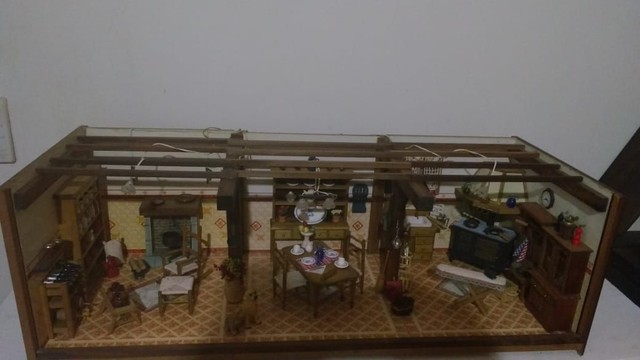 Casa miniatura madeira