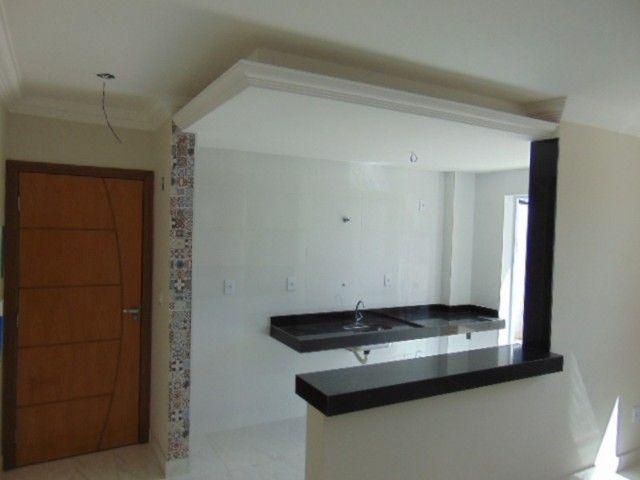 Lindo apto com excelente área privativa de 2 quartos em ótima localização no B. Sta Amélia - Foto 12
