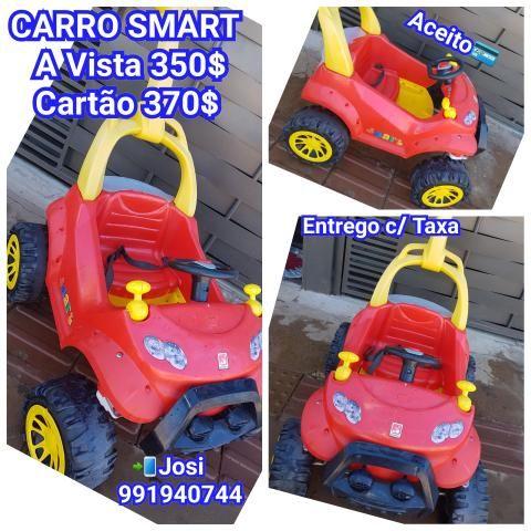 Carro smart com pedal, super conservado