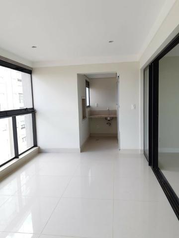 Apartamento andar alto , face sombra, no Edifício Metropolitan com 142 m² úteis, 3 suítes - Foto 10