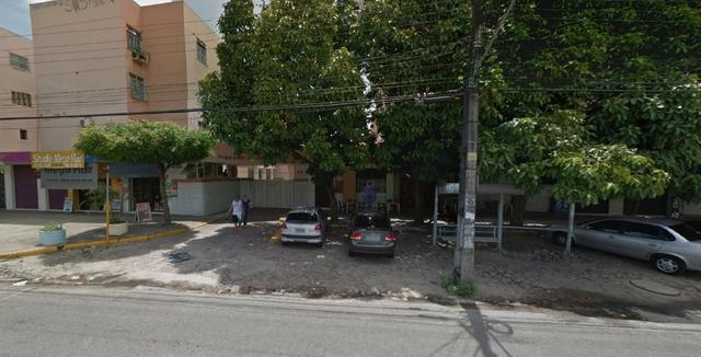Apartamento com 03 Quartos na Av. João Pessoa