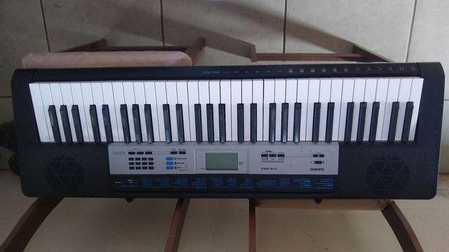 Vendo teclado está em ótimo estado, usado pouquíssimas vezes.. marca Casio.