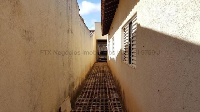 Casa com cômodos amplos 150,28 m² de área construídas - Coopharádio. - Foto 11