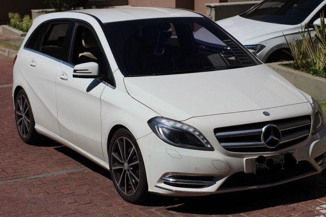 Mercedes B200 2014 branca