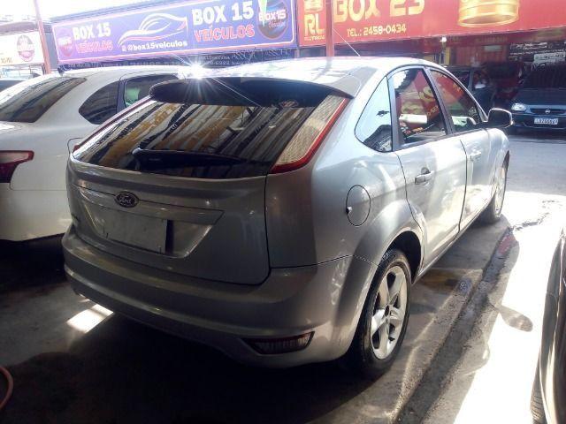 Ford Focus 1.6 Completo + Gnv ent + 48 x 530,00 1º parcela por conta da loja - Foto 3