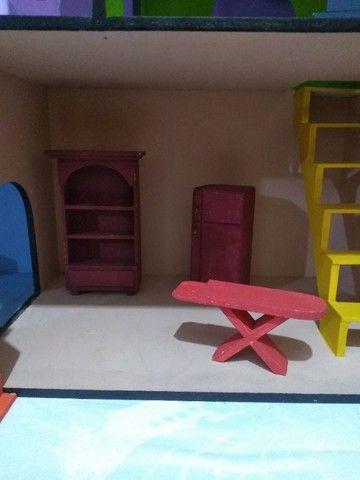 Casinha de boneca em MDF pintada e mobiliada *O produto está em Itararé/SP - Foto 3