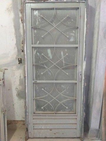 Vende-se 2 portas e 1 janela - Foto 3