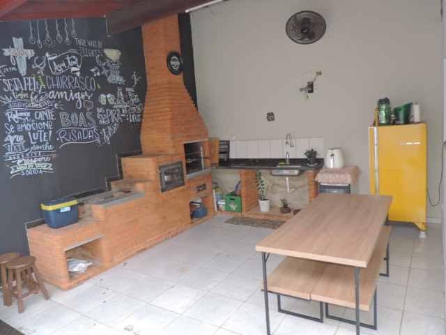 Casa à venda R$330.000,00 (Aceita carro/terreno)