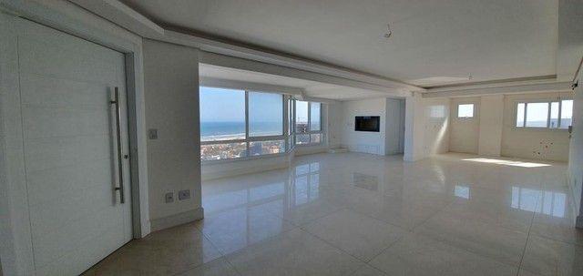 Apartamento 4 Dormitórios - Bairro Praia Grande - Foto 16