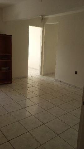 Casa em Bonfim - 2º andar - 2 quartos - Avenida tranquila