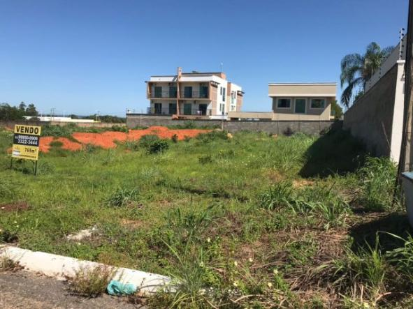 Terreno na orla de Palmas medindo 765 m²