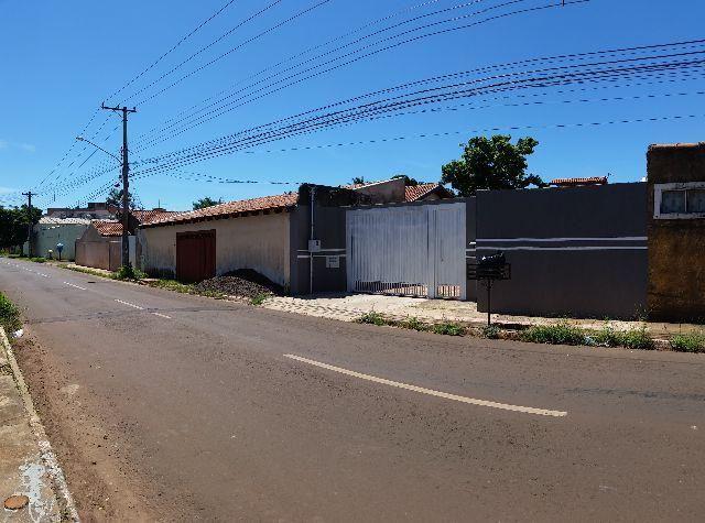 Casa com amplo Terreno no Santo Antônio
