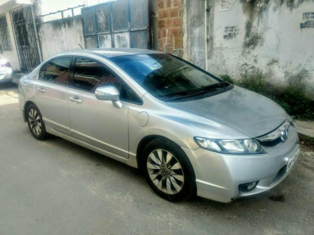 Honda Civic LXL ( manual )