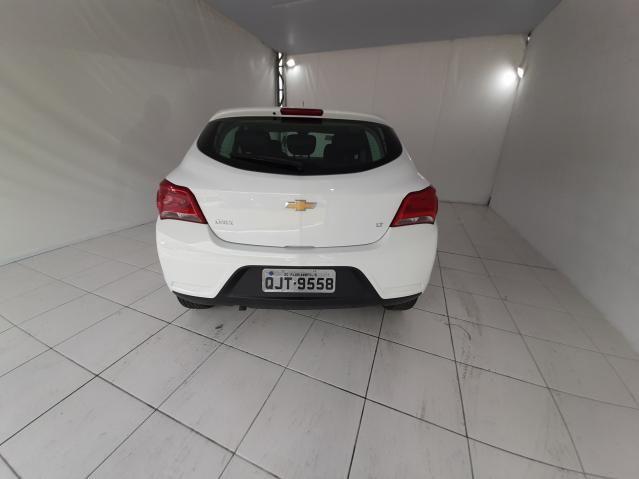 Chevrolet ONIX HATCH LT 1.0 8V FlexPower 5p Mec. - Branco - 2019