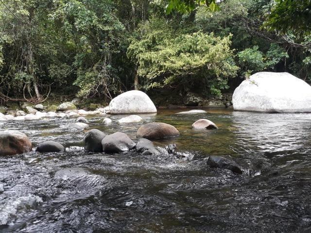 Caetano Imóveis - Terreno escriturado com 4.255m² (possui cachoeira privada dentro)