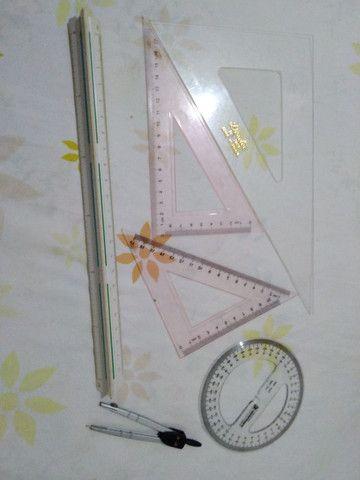 Conjunto de escalímetro com esquadros, compasso e transferidor - Foto 4
