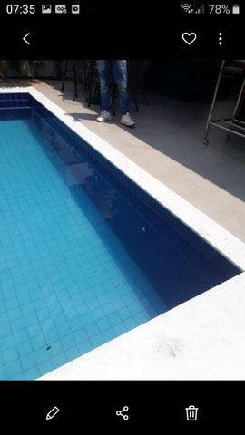 Limpeza de pisos e arars de piscinas
