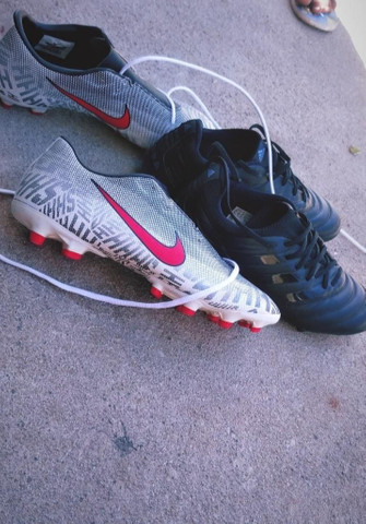 Vendo essas duas chuteira Nike e Adidas