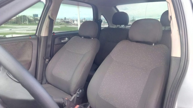 Chevrolet Corsa Sedan 1.4 Completo - Foto 2