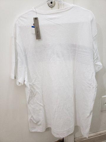 Camiseta Original Calvin Klein. Masculina. Tamanho Gg. Nova! - Foto 2