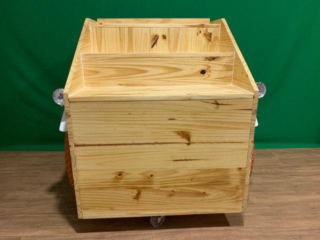 Carrinho gourmet de madeira - Foto 4