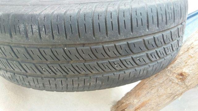 Coquinho aro 14 volks com calotas/ gm pneus rodam bem ainda - Foto 2