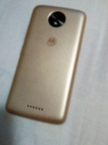 Moto C plus dourado 16 GB semi novo