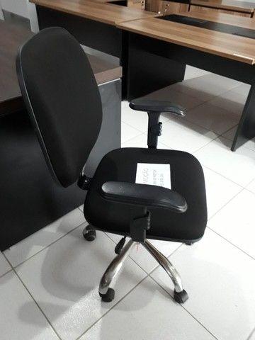 Cadeira office seminova