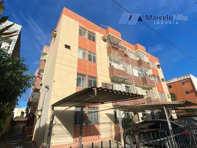 Apartamento térreo em Olinda, 65m2,  2 quartos sociais, varanda e garagem