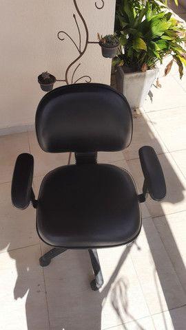 Biro L madeira cor mogno e cadeira secretária  - Foto 4